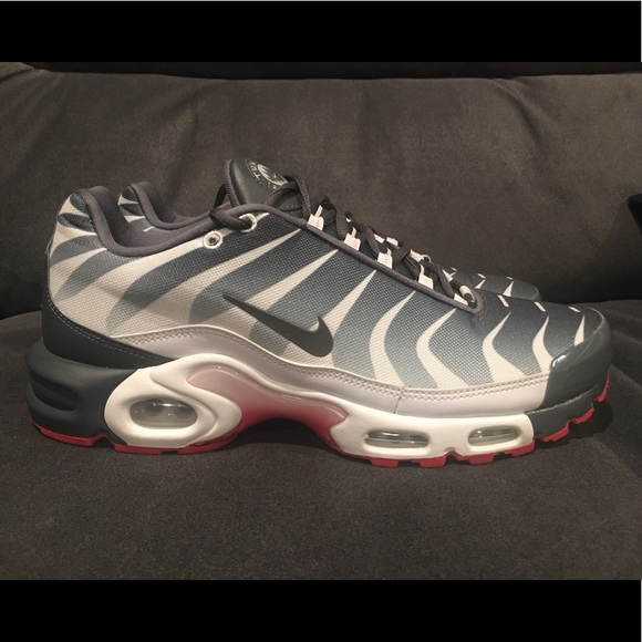 "Nike Air Max Plus TN SE ""BEFORE THE BITE   Size 10 8af379ebe5"